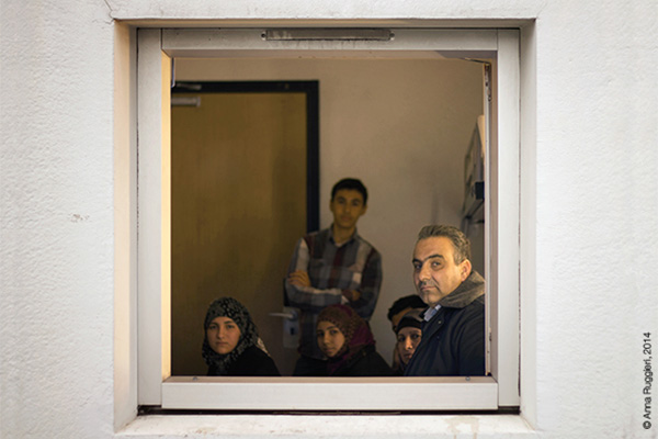Syrians in Transit. A photographic display of desperate journeys